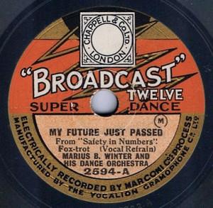 Broadcast-Twelve-2594-300x293